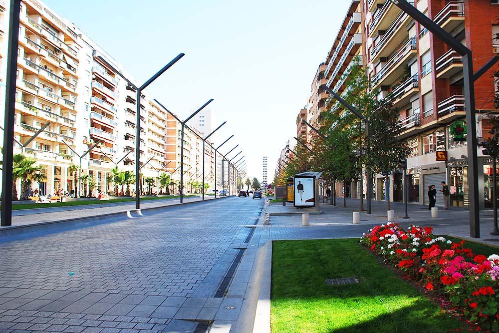 Inmobiliaria de alquiler de locales, oficinas y naves.